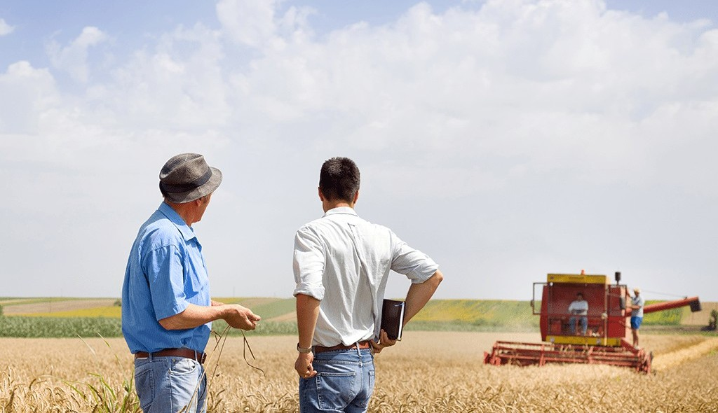 farmer and adviser
